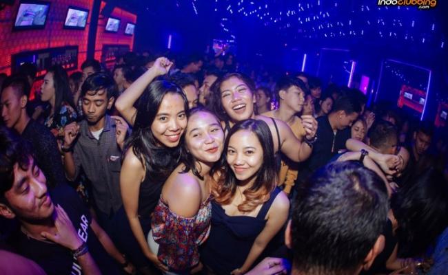 Club-&-Bar-Solo